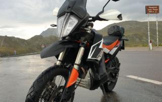KTM Adventure 790R Penserjoch im Regen