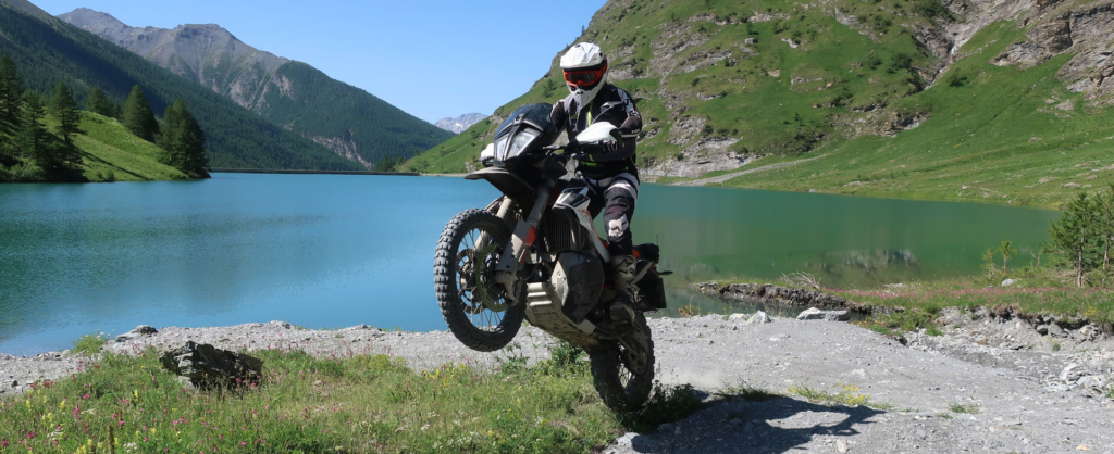 KTM Adventure 790R jentlflow Fahrtraining Wheelie