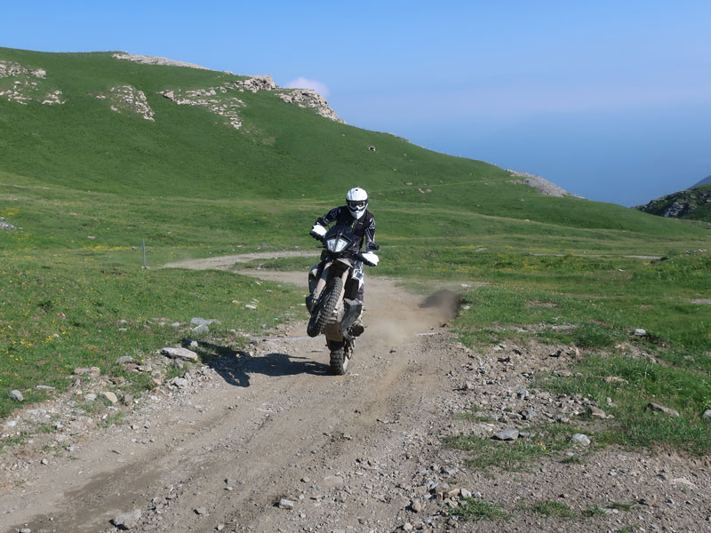 KTM 790Adventure R am Lac Cenis