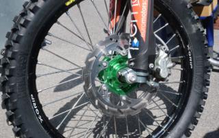 X-Grip Laufrad mit starker Bremsscheibe und Hulkyboy an Kilian Zierers EXC 300
