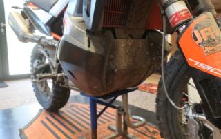 KTM Adventure 790R Rade Garage Carbon Motorschutz