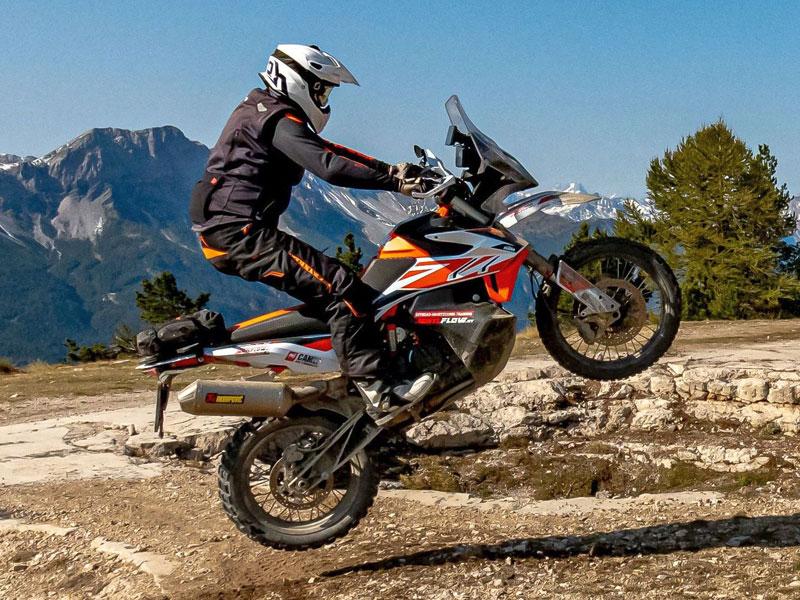 KTM Adventure 790R – WP Pro Components Fahrwerk im Westalpentest