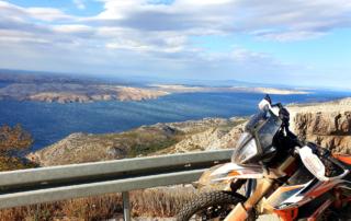 Adventurebiketour Jentlflow am TET Kroatien, Ausblick auf die Insel Pag