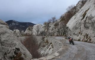Adventurebiketour Jentlflow am TET Kroatien, Spektakuläre Passage durch den nördlichen Velibit