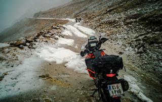 Westalpen Adventurebiketour Jentlflow Col Sommeiller Schneesturm