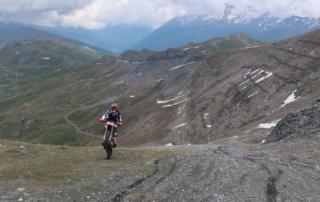 Endurotouren Westalpen jentlflow Skipistenauffahrt am Col Basset