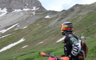 Endurotouren Westalpen jentlflow Blick zum Passo della Mulattiera