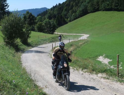 Jentlflow Adventurebike Offroad Fahrtechnik Training – perfekt vorbereitet am Start