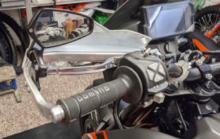 Rottweiler Spiegel, Powerparts Alu Handschützer, Domino Griffe KTM Adventure 890 Jentlflow
